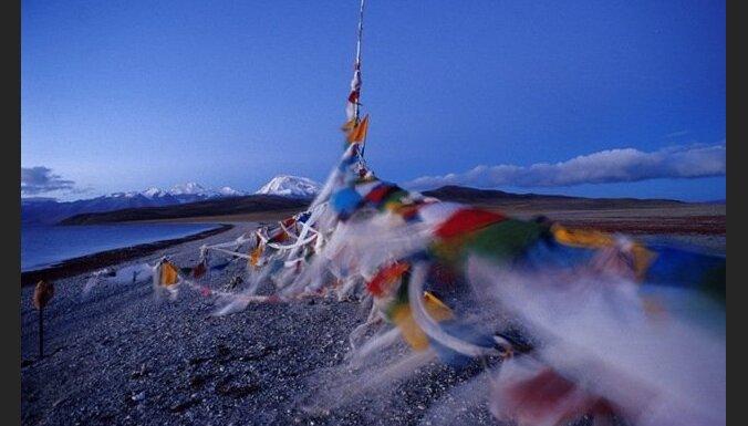 Ķīnā pašsadedzinās vēl trīs tibetieši