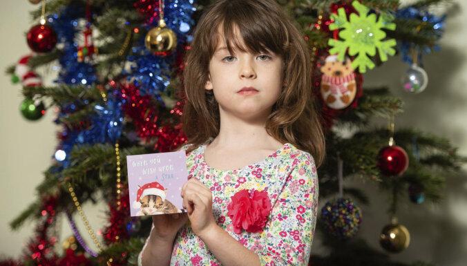 Британская девочка купила дешевые открытки. В них обнаружилось послание из китайской тюрьмы