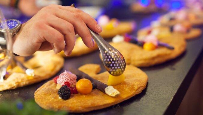 Химия и физика на столе: в Риге показали молекулярную кухню (добавлено видео)