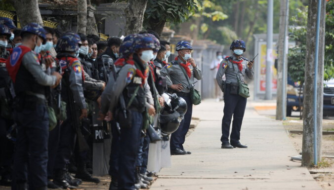 Protestos Mjanmā nogalināti vismaz 38 cilvēki