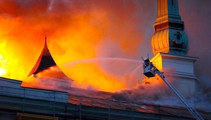 LTV: ugunsgrēks pilī visdrīzāk izcēlies no metāla griezēja dzirkstelēm