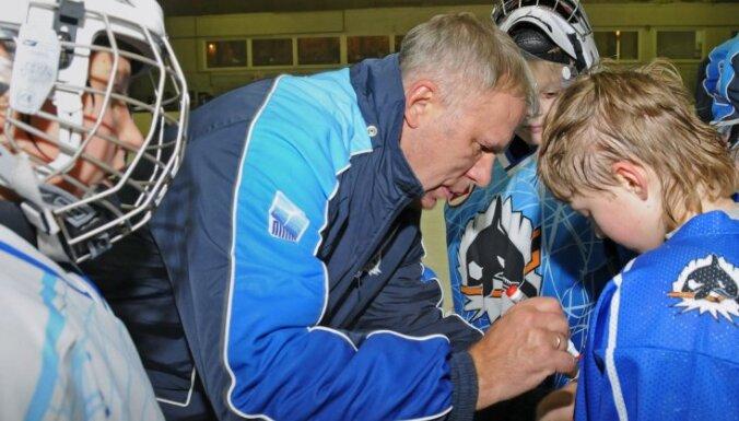 Фетисов занялся любительским хоккеем
