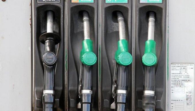 Бензин 95-й марки стоит уже почти 93 сантима