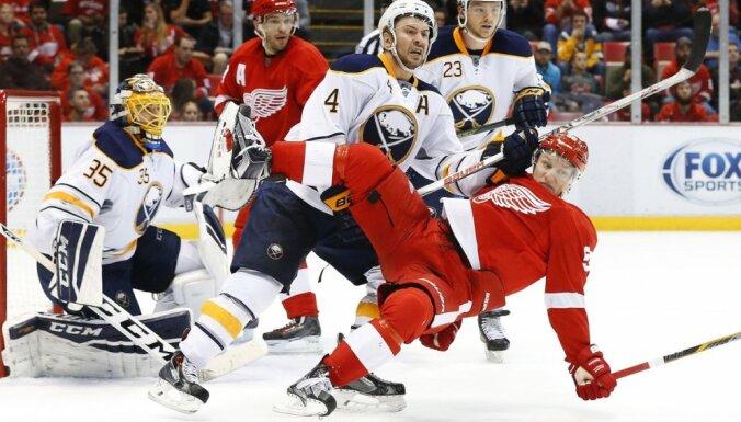 NHL algu griesti pacelti līdz 73 miljoniem dolāru