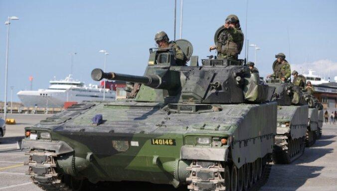 Шесть из десяти латвийцев поддерживают создание общей армии ЕС