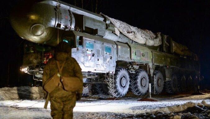 Krievija varētu izvietot raķetes sabiedroto teritorijā, brīdina deputāts