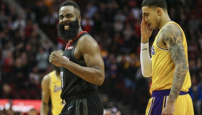 Hārdens palīdz 'Rockets' gūt uzvaru pār 'Lakers'