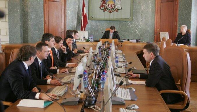 Izsludina iepirkumu valdības sēžu zāles remontam
