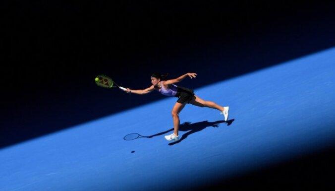 Sevastova cieš smagu zaudējumu Dubaijas WTA 'Premier' turnīra pirmajā kārtā