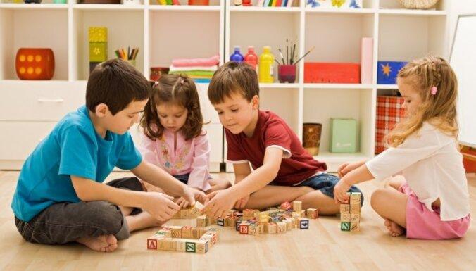 Газета: МОН хочет добиться того, чтобы в русских детсадах было больше воспитателей-латышей