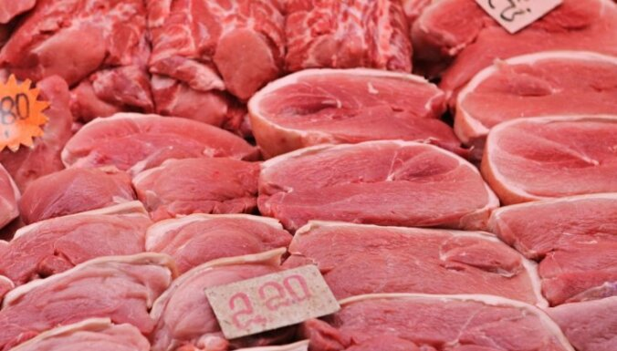 Atklāj teju 22 tonnas saldētas gaļas bez pavaddokumentiem (precizēts)