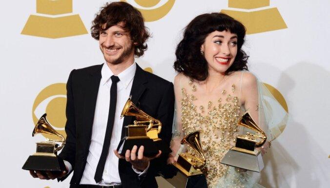 Losandželosā pasniegti 'Zelta gramofoni'; Prauliņš paliek bez balvas