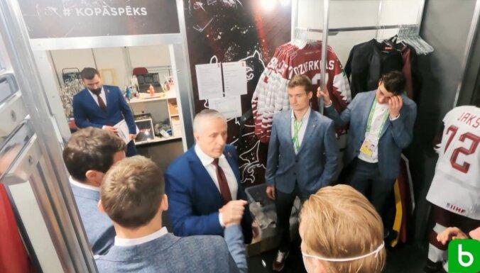 ВИДЕО: Как латвийские хоккеисты переживали вылет с домашнего чемпионата мира
