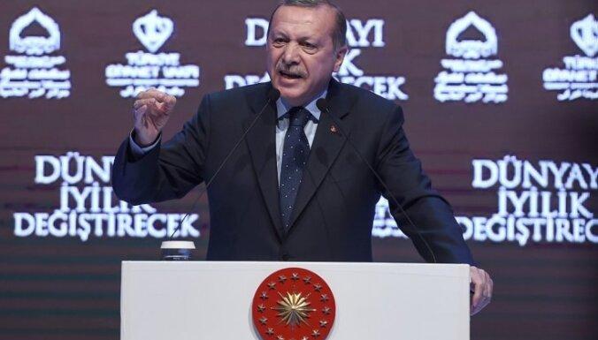 Pēc Erdogana izteiktajiem draudiem Nīderlande brīdina tautiešus
