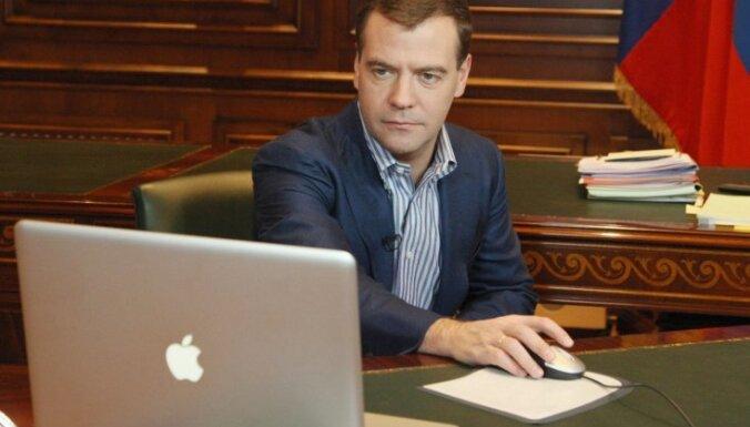 Krievijas prezidents internetā bērniem stāsta par opozīciju