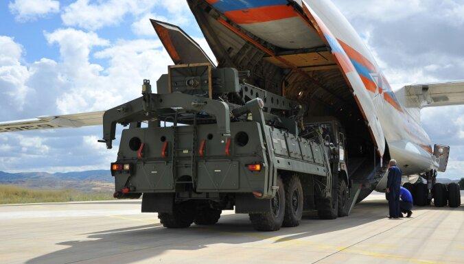 ASV Senātā piedāvā atpirkt no Turcijas krievu S-400 sistēmas