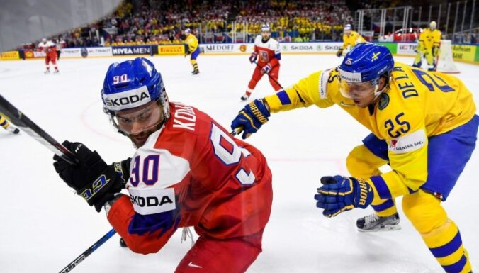 Zviedrija aizraujošā mača izskaņā nosargā pārsvaru un uzvar Čehiju