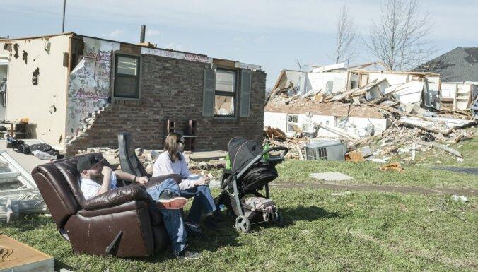 ФОТО, ВИДЕО: В штате Теннесси от торнадо погибли не менее 25 человек, обрушились десятки зданий