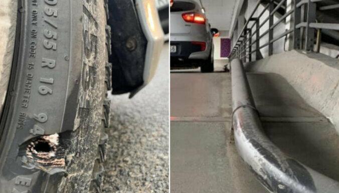 """Читательница: """"Повредила колесо о трубу на парковке Alfa, торговый центр оплачивать ущерб не хочет"""""""