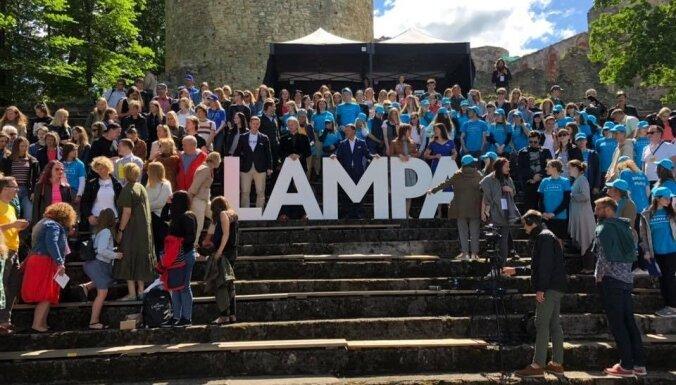 Sarunu festivāls 'LAMPA' pārcelts uz septembri