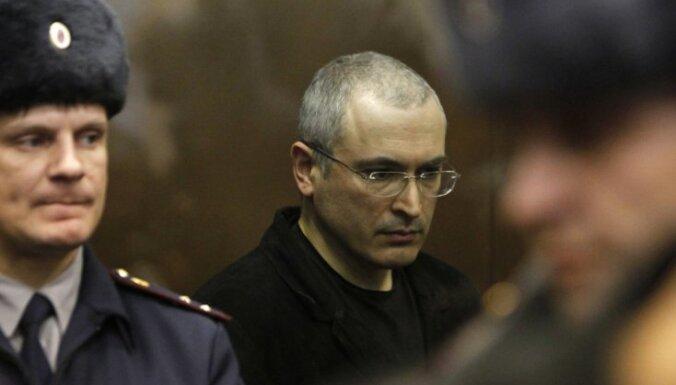 Krievijas tiesa piekrīt izskatīt Hodorkovska apelācijas prasību