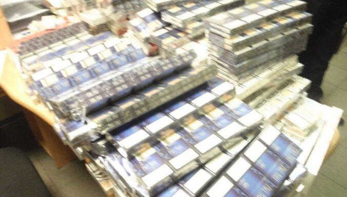 Kriminālprocesu par vairāk nekā sešu miljonu cigarešu kontrabandu nodod tiesai