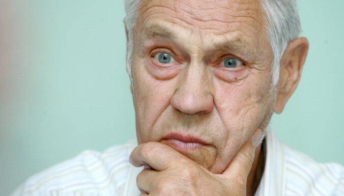 В возрасте 96 лет скончался экс-депутат Сейма и бывший легионер Висвалдис Лацис