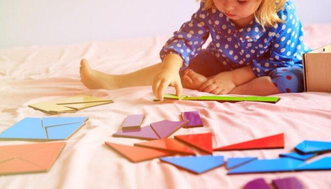 Pētījums: mazuļi šaubu gadījumā lēmumus pieņem tāpat kā pieaugušie