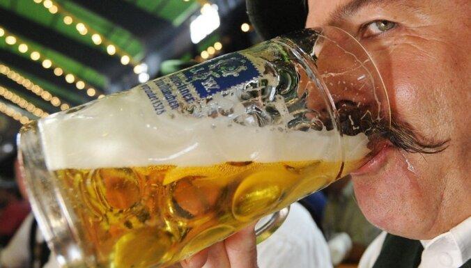 Foto: Noslēdzas vācu alus dzīres 'Oktoberfest'