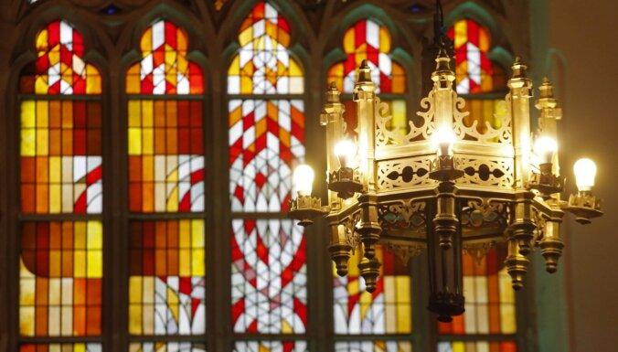 Svin dievturi, kristieši, jūdaisti – Lieldienās reliģiskajam organizācijām ļauj strādāt ilgāk