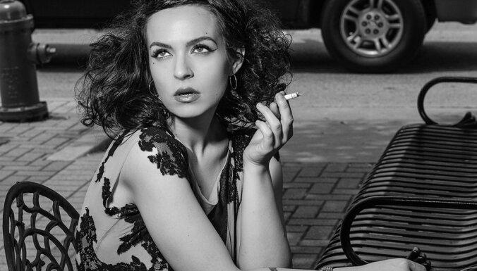 Latvijā izgudrots unikāls produkts ādas kopšanai smēķējošām sievietēm