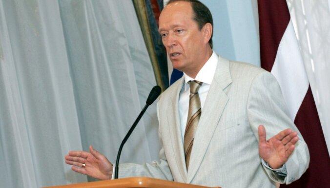 Latvijā Krievija karaspēku neievestu, pat ja krievvalodīgie to lūgtu, apgalvo Vešņakovs