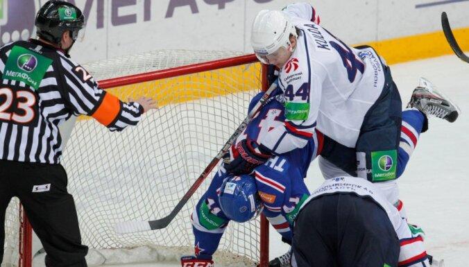В возрасте 39 лет скоропостижно умер арбитр КХЛ