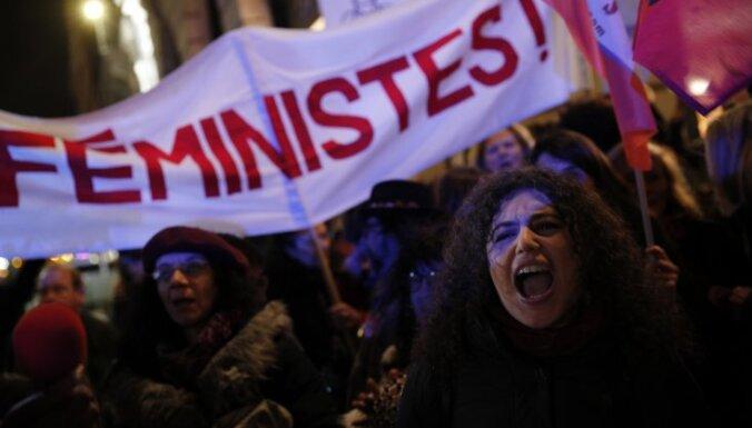 "Словарь Merriam-Webster выбрал ""феминизм"" словом 2017 года"