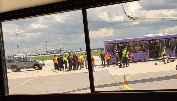 Пассажир рейса Афины-Вильнюс: было ясно, что задержание срежиссировано