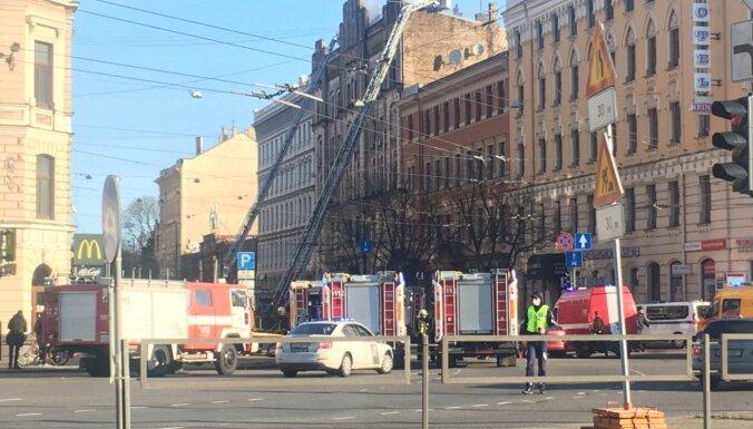 Пожар в хостеле в центре Риги: погибли восемь человек (ОБНОВЛЕНО в 08.40)