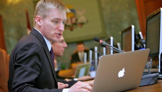 Lielo pilsētu mēri apsver iespēju prasīt Sprūdža demisiju
