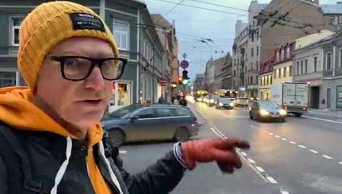'Zebra': Čaka iela piektdienas vakarā – velosipēdu mazāk nekā Barona ielā