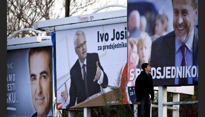 Horvātijas prezidenta vēlēšanu pirmajā kārtā uzvar opozīcijas kandidāts