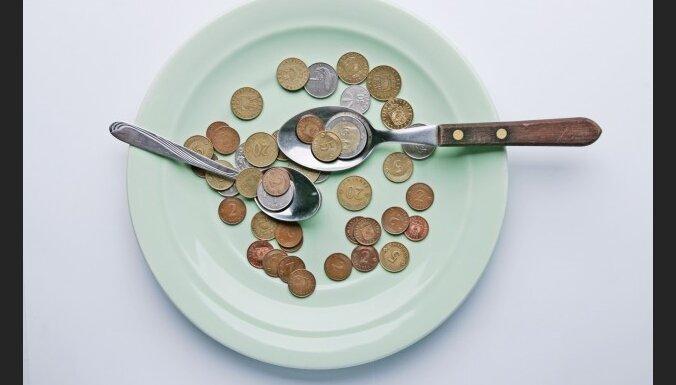 Atceļ lēmumu par neapliekamā minimuma samazināšanu