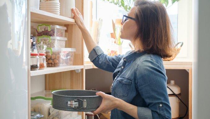 Pieci knifiņi, kā vienkārši ieviest kārtību virtuves skapīšos