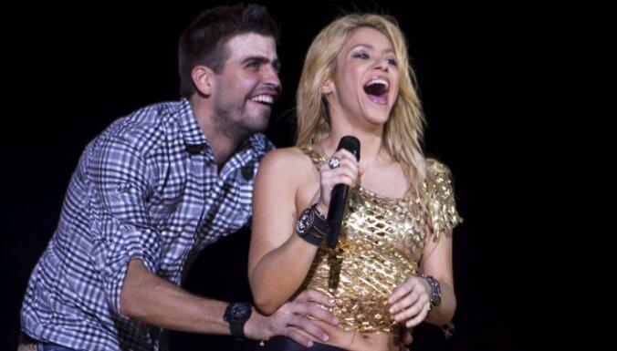Шакира родила футболисту Пике сына