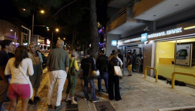 Банки Греции пока не работают