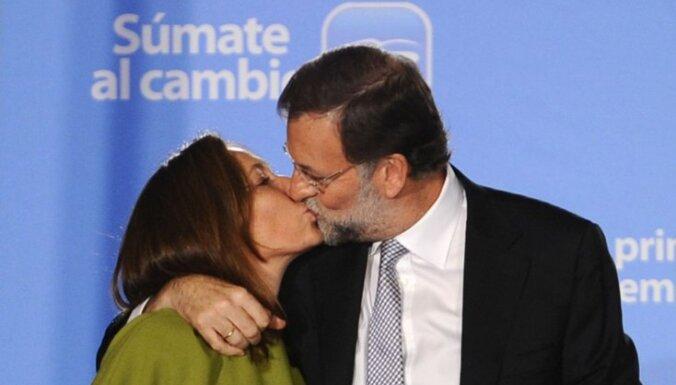 На выборах в Испании правые разгромили социалистов