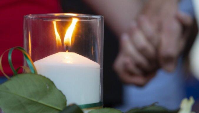 Teksasas vidusskolas apšaudē 10 bojāgājušie; 10 ievainoti