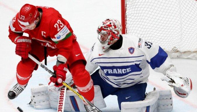 Беларусь избежала вылета из элиты, обыграв напоследок французов