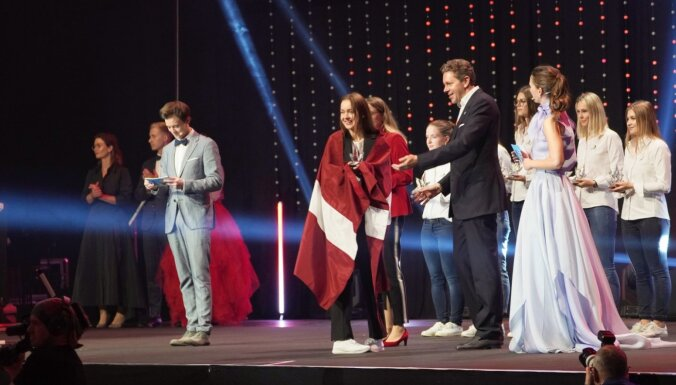 Latvijas komandai 'EuroSkills 2021' konkursā divas medaļas par izcilību