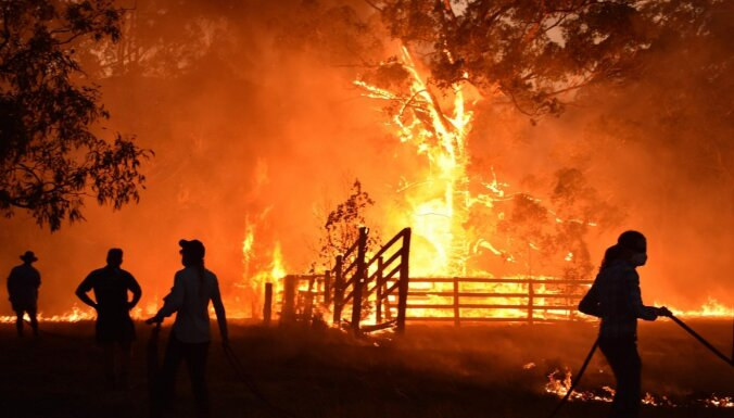 Трое человек погибли при крушении самолета, тушившего пожары в Австралии