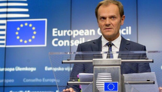 Polijas ministrs Tusku nosauc par 'ļaunuma un muļķības ikonu'