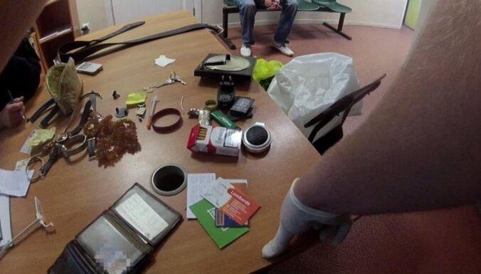 Болдерая: задержан наркоман с возможно крадеными женскими украшениями